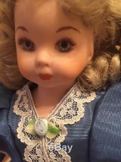 Poupée Vintage En Porcelaine Lady Anne # 0061 De 1987 Fabriquée Par Margaret Anne. Signé À La Main