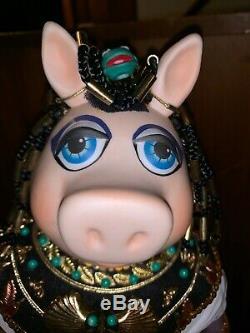 Poupée Vintage Enco Miss Miss Piggy Cleopigtra En Porcelaine Cleopatra De 1983 Rare