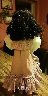 Poupée Vintage Gypsy Dancer Gitana Coins Boucles D'oreilles Black Hairs Lèvres Rouges Yeux Bleus