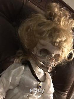 Poupée Vintage Retravaillée Skull Style Victorien Ooak Gothique