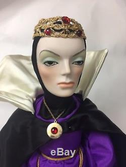 Poupées Vintage 1983 Par Jerri Evil Queen Bisque De Porcelaine Disney Blanche Comme De Neige