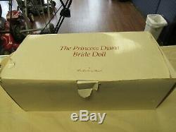 Princesse Diana Mariage Doll Vintage 1980 De La Monnaie Porcelaine W Danbury Stand 222242