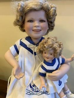 Rare Poupée En Porcelaine Vintage Et Bébé Identique En Chaise, Ensemble Supplémentaire De Vêtements