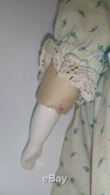 Rare, Vintage, Allemagne, Poupée En Porcelaine Allemande Émaillée Hertwig Near Mint 14