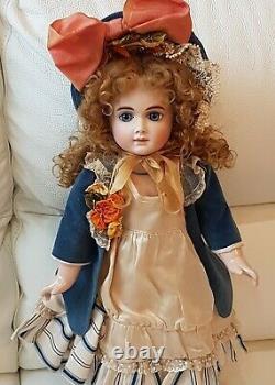 Reproduction De Collection At (andre Thuillier) Porcelaine Bisque Doll Par Jamie Englert