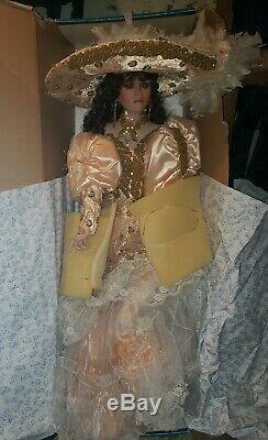 Rustie Dolls. Énorme 42 Poupée En Porcelaine Limitée. Tori Artiste Dans La Boîte