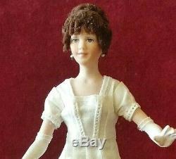 Sinnett, Années 1980, Poupée Miniature, Présentoir De Robes De Mariée