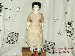 Tenue De Bras Et Jambes De Robe De Chine Ancienne Antique 16 '' Hauteur Poupée