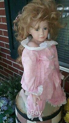 Très Grand Vintage Porcelain Doll