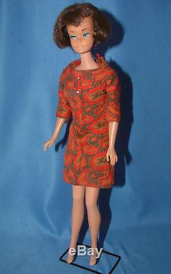 Vintage Américain 1070 Fille Brune Japon Jambe Pliable Barbie 1966, (8020)