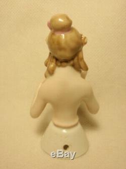 Vintage Goebel Allemagne Arms Loin Moitié En Porcelaine Poupée Fille Avec Ringlets