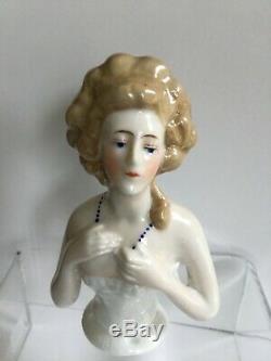 Vintage Goebel Porcelaine Half Doll Lady Avec Collier Bleu Pelote 4 Allemagne