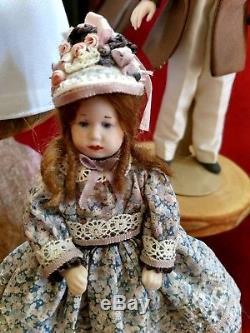 Vintage Lot Poupées Famille Victorienne Maison De Poupée Miniature Porcelaine À La Main