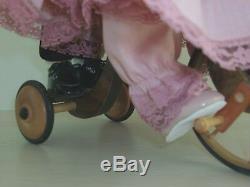 Vintage Moi Porcelaine Jus Boy & Girl Keepsake Le 13 Collector Poupées Avec Vélo Euc