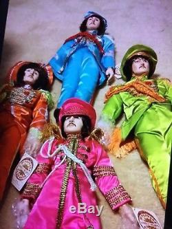 Vintage Sgt. Poupées En Porcelaine Beatles Starshine Beatles. 4 Poupées Avec Des Boîtes De Coas