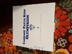 Vtg 1996 Cabbage Patch Olympique Enfants Olympikids Porcelaine Poupées Danbury Monnaie Nib