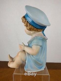 Vtg Peint À La Main Au Piano Bébé Figure Garçon Bisque Porcelaine Chapeau Poupée Ball Baby Blue